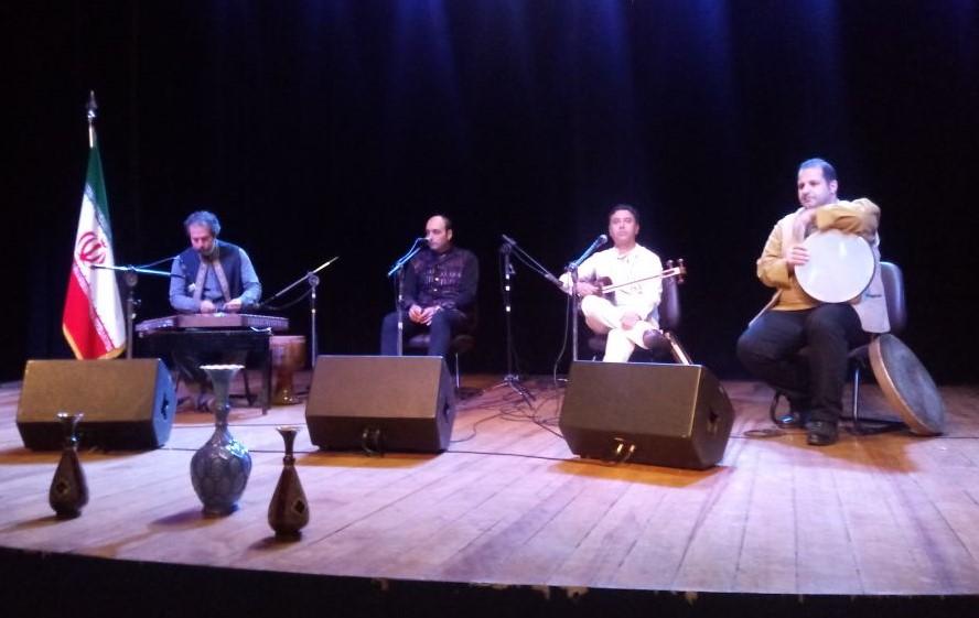 Banda Navaye Mehr apresenta música persa