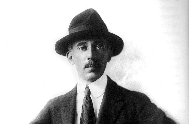 A biografia de Santos-Dumont que ousa demolir mitos