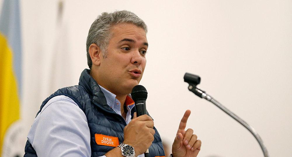 Duque e Petro disputarão segundo turno da eleição presidencial colombiana