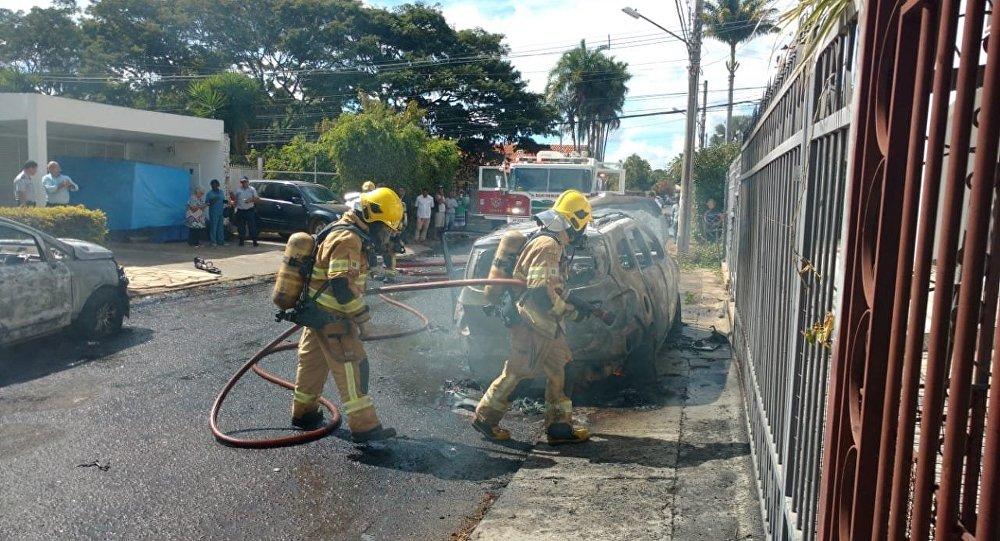 Carros da Embaixada da Guiné pegam fogo em Brasília